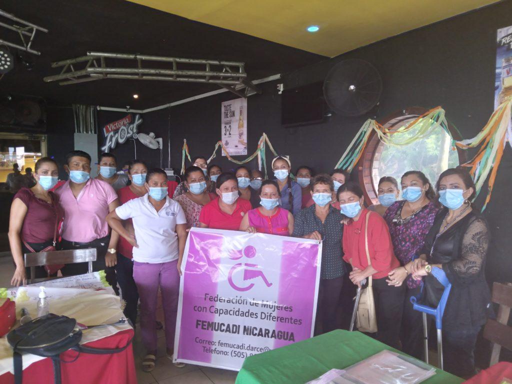 Fotografía de grupo de los participantes del taller